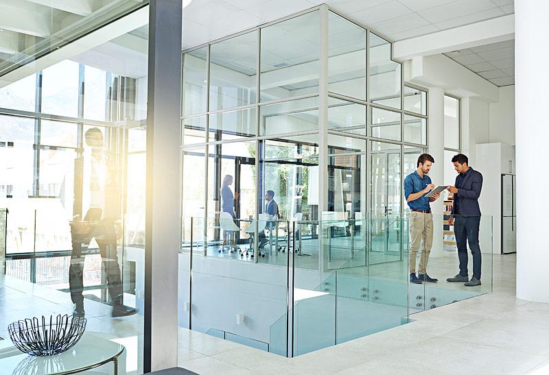 Wie Sollten Sie Sich Glaswand Oder Glasportal Wählen?