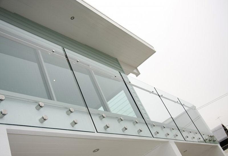 Wie Sollten Sie Sich Ein Glasbarrier Wählen?