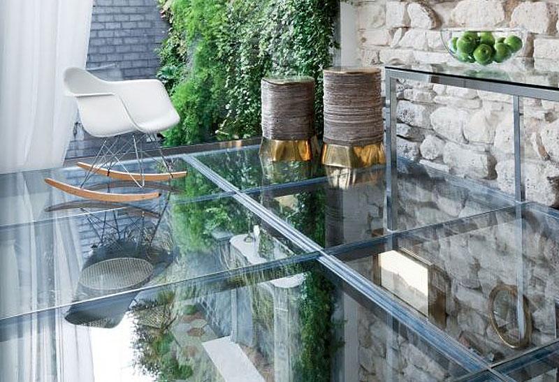 Begehbares Glas: Eine Moderne Saubere Lösung