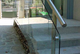 Kültéri üvegkorlát